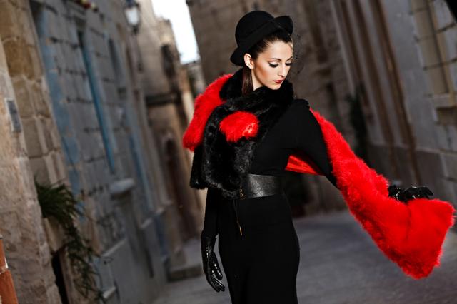 Röd och svart outfit